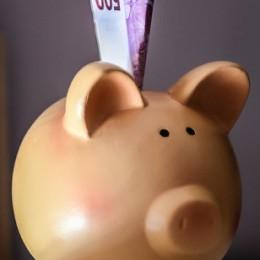 moneybox-744462_640