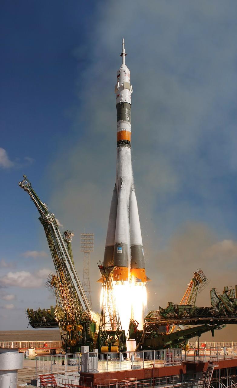 rocket-launch-67720_1280